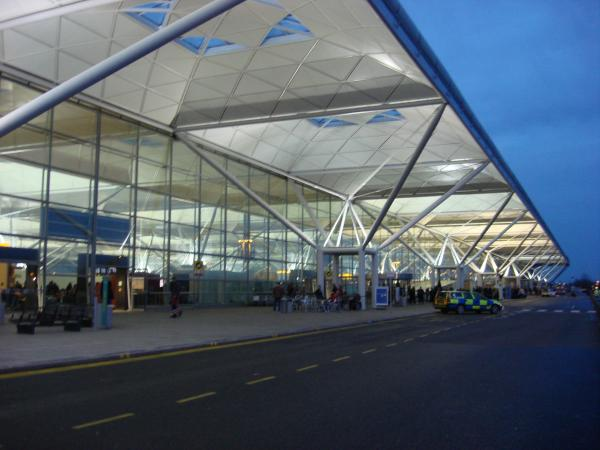 Stansted Airport taxis - Large